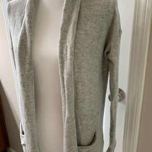 H&M Basic grey cardigan with pockets.